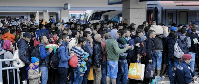 Wien Westbahnhof railway station at 5th September 2015: Migrants on their way to Germany